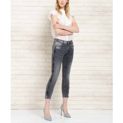 FRACOMINA - Jeans cropped con applicazioni Art. FR20SPJBETTY13 A96